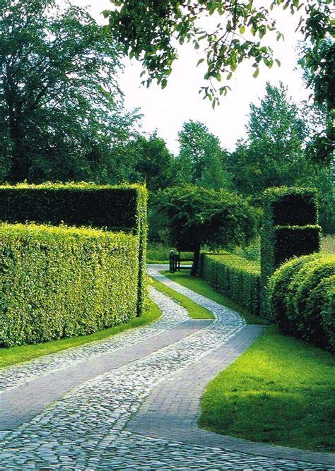 Landscape Fabric Driveway Best 20 Brick Driveway Ideas On Brick Walkway