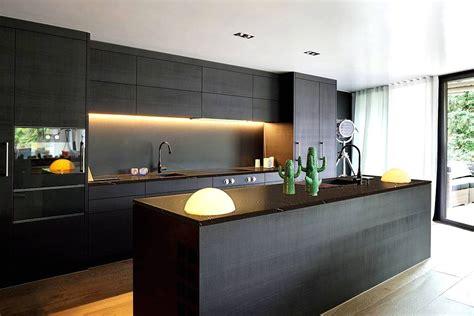 dapur warna hitam desainrumahidcom