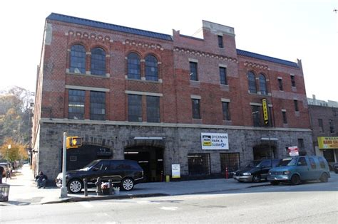 Parking Garage In Washington Heights by Longtime Inwood Garage Up Parking Prices By 125 A