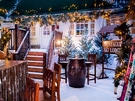 Christmas Themed Centerpieces - montague ski lodge london s festive apres ski hut luxeinacity