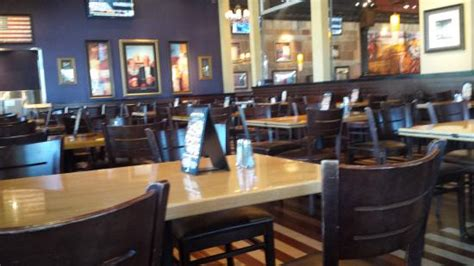 table pizza newark ca 94560 bj s restaurant brewhouse newark restaurant reviews