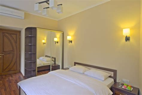 luxury one bedroom apartment one bedroom luxury apartment with spa bath for rent 9