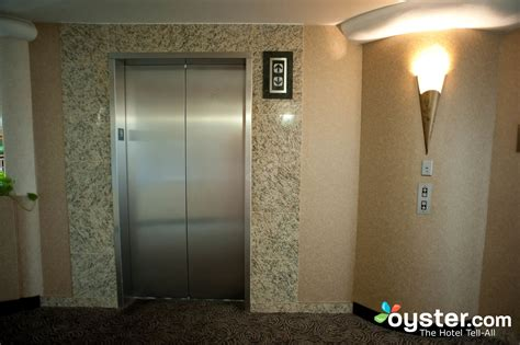 Hotels With 3 Bedroom Suites elevators at the embassy suites convention center las