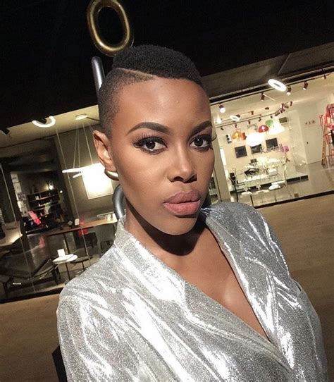 mzansi celebrities who are pregnant and their haistyles 12 mzansi celebs who proudly rock their natural hair