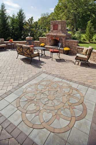 paving designs for backyard best 25 paver designs ideas on pinterest paver patterns