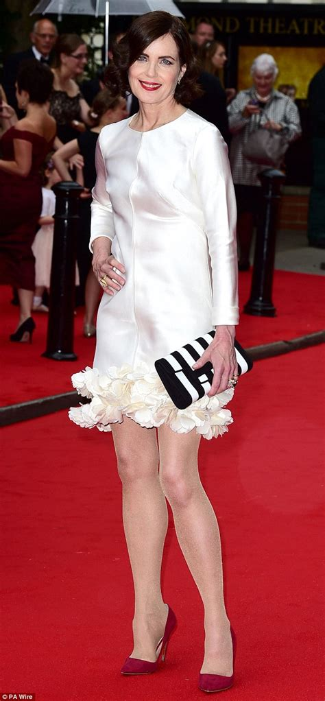 Dapatkan Special Dress Mrs White elizabeth mcgovern 54 shows youthful looks at downton tribute daily mail