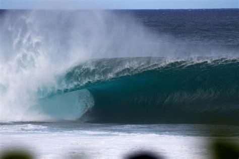 hawaiis high surf warnings  advisories