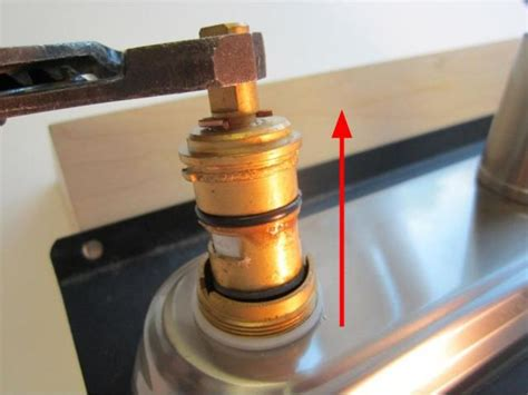 Changed Cartridge Faucet Still Leaks by Pl How To Install A Cartridge 2 Handle Ceramic Disc