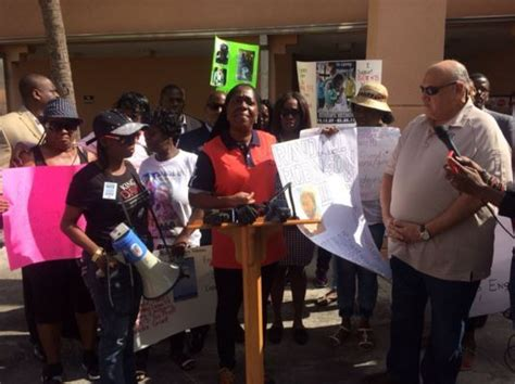 State Attorney Office Miami by Protesters Blame State Attorney S Office For Lack Of
