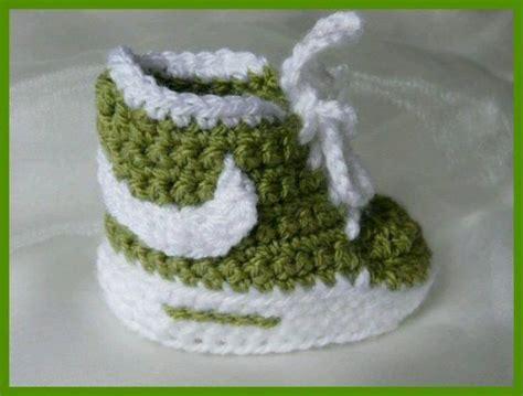 pattern crochet nike booties nike diy crochet baby booties shoes post