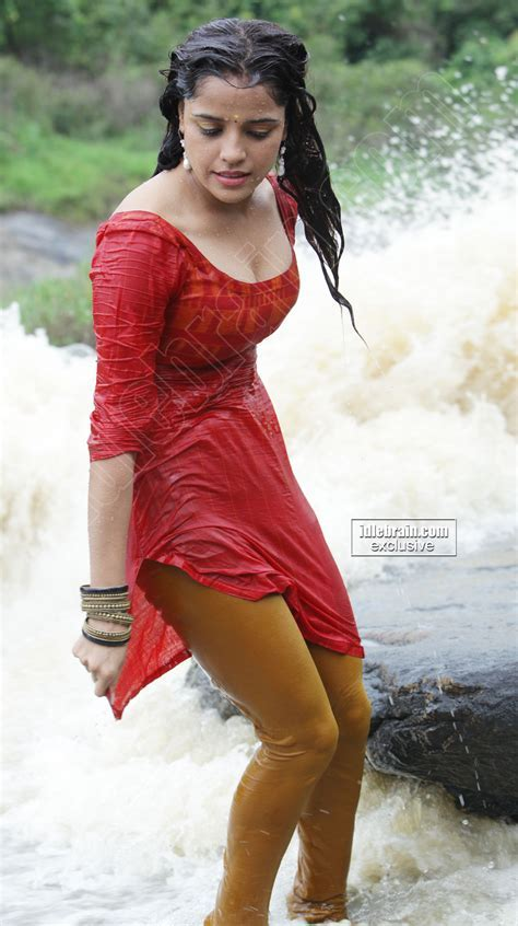 Piaa Bajpai Spicy Pics Elakiri Community