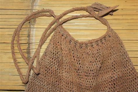 Tas Bagong koja tas dari kulit pohon khas suku baduy indonesiakaya