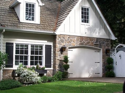 Cottage Garage Doors Pin By Elizabeth On House Beautiful