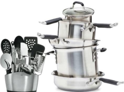 necessaire de cuisine ustensiles de cuisine de base gourmandise en image