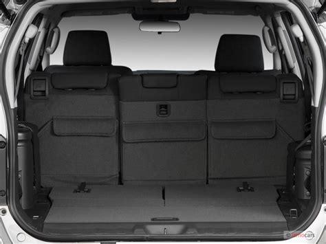 image  nissan pathfinder wd  door  trunk size