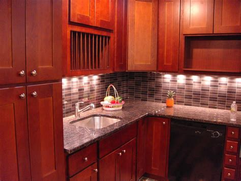shaker cherry kitchen cabinets cherry shaker kitchen cabinets home furniture design