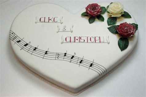 Hochzeitstorte In Herzform by Hochzeitstorte Mit Melodie Caf 233 Sch 246 Nleben