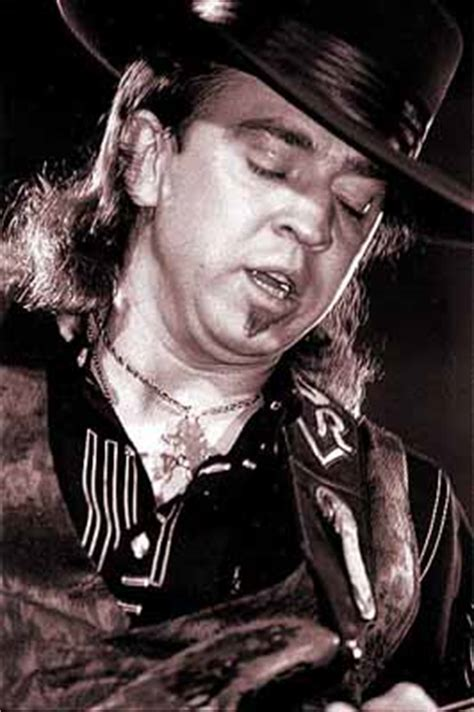 stevie ray vaughan  guitar world