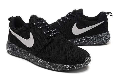 imagenes de tenis nike runing new arrival nike roshe run men ink jet black white