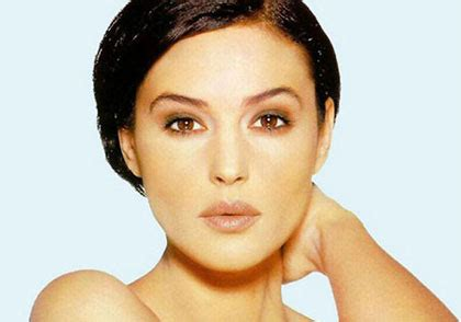 monica bellucci face shape monica bellucci is the most beautiful woman in the world