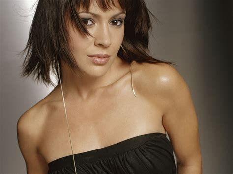 hollywood alyssa milano images gallery 2012