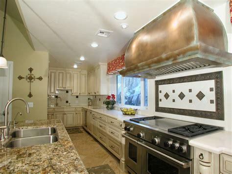 Quartz Vs Granite Countertops For Kitchens by Granite Vs Quartz Countertops Countertop Guides
