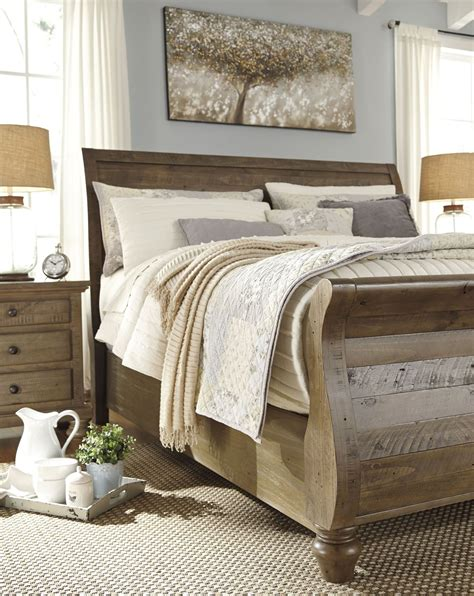 Light Brown Bedroom Furniture Trishley Light Brown Sleigh Bedroom Set B659 77 74 98