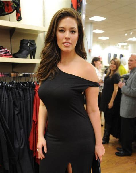 full figure bra model names ashley graham height weight body measurements hollywood