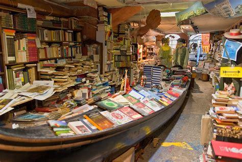 libreria dell acqua alta venezia libreria quot acqua alta quot a venezia nadine s diaries