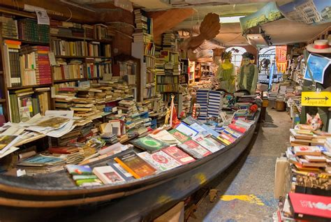 libreria acqua alta venezia libreria quot acqua alta quot a venezia nadine s diaries