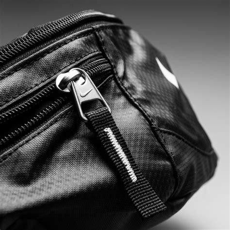 Waistbag Nike Black White 04 nike pack black white www unisportstore