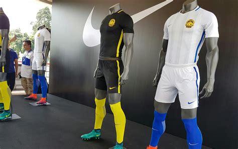 Real Madrid Gk Jersey 2017 2018 Merah piala aff 2016 nike beri singapura dan malaysia jersey