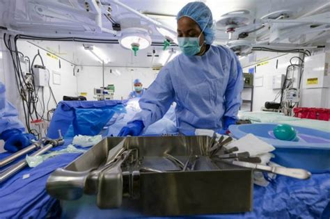 operating room tech 212th combat support hospital supports unified combat arms at combined resolve iv