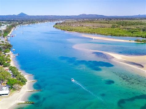 fishing boat hire sunshine coast noosa boat hire at the u drive jetty on the noosa river