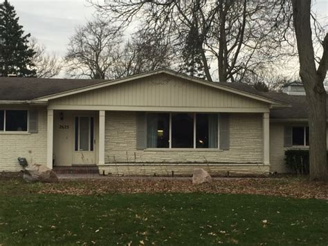 need help with exterior colors 1950s rambling ranch