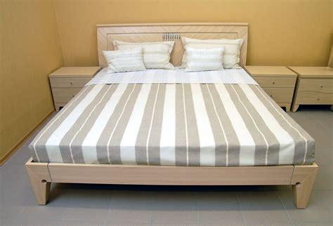 orientation du lit dans une chambre feng shui chambre orientation lit feng shui chambre