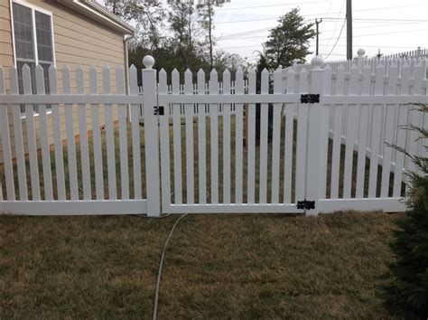 vinyl fencing company vinyl fence signature fence company richmond va