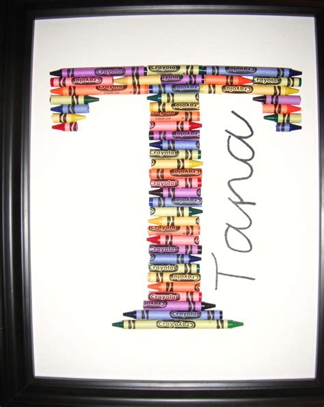 Gift Ideas Letter B 25 Unique Crayon Letter Ideas On Bedroom Boys Crayons And Playrooms