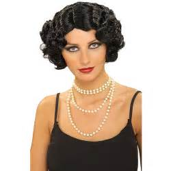 hairstyles 1920 s era mid length layered hairstyle flapper hair