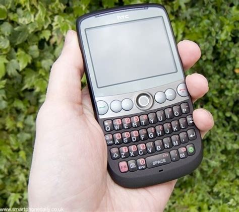 Hp Htc Qwerty htc snap reviewed qwerty keyboard winmo 6 1 no great shakes