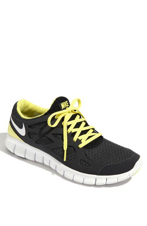 nike free run running shoe in yellow for