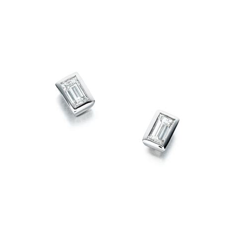 18ct white gold baguette set earrings 0 85cts