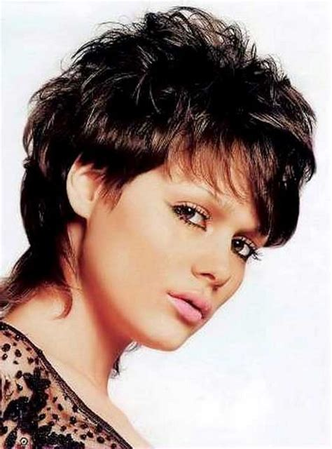 hair styles for women with short hair and resending hairline classic short haircuts for women