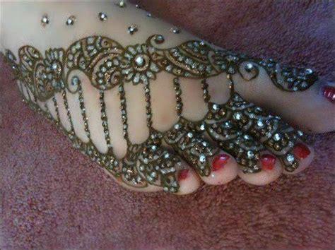 designing the beautiul most beautiful mehndi designs
