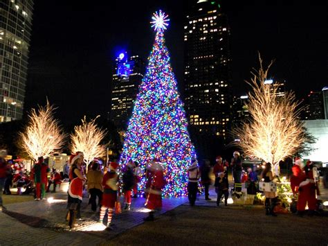 winter time in dallas brings about the klyde warren park