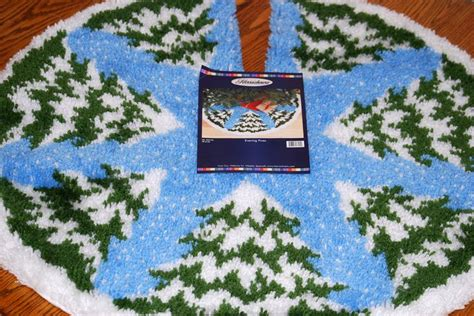 latch hook christmas tree skirt kits 2014 03 08 i finished my latch hook rug tree skirt this morning it took me two and a