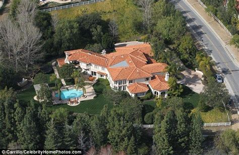 25 best ideas about kris jenner house on pinterest kris jenner home jenner house and kris photo kardashian calabasas address images khloe