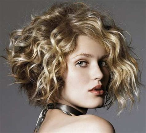 best hair styles for round faces over 30 years 25 best curly short hairstyles for round faces haircuts