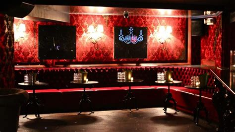 black and color scheme for home bar with style interior decorating for