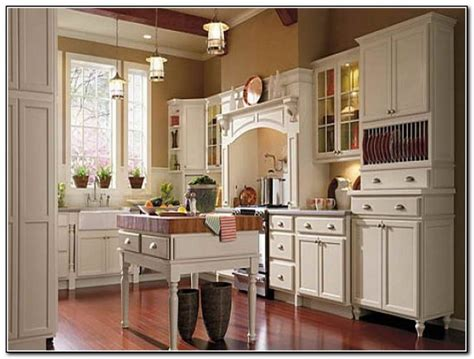 thomasville kitchen cabinets outlet thomasville kitchen cabinets toasted almond kitchen